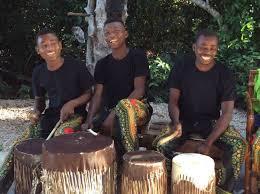 Kuza cave musiciens